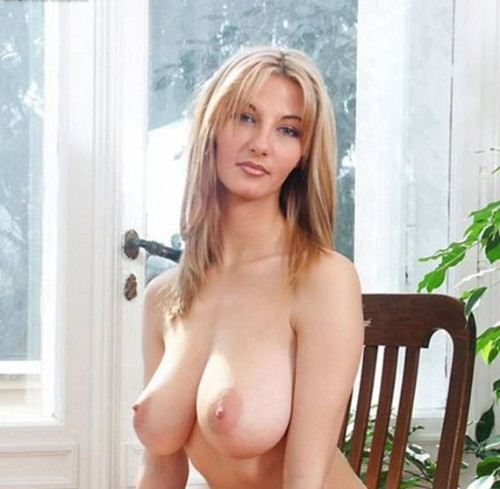 Model nude big boobs